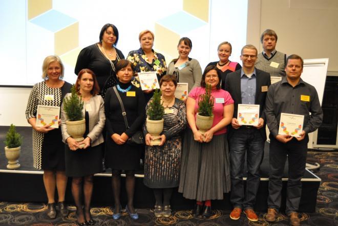 Konkursil tunnustatud koolide ja lasteaedade esindajad Foto: Mats Volberg